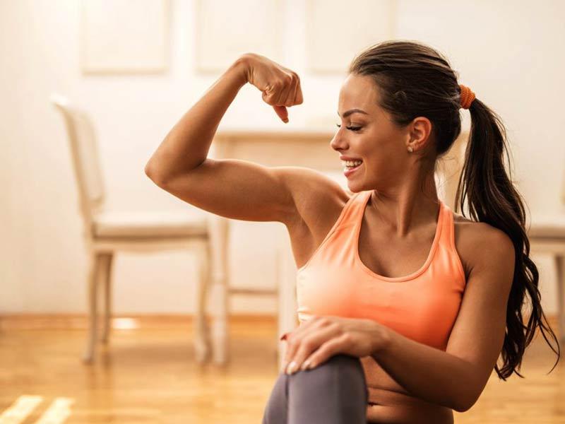 چگونه در خانه عضله سازی کنید؟